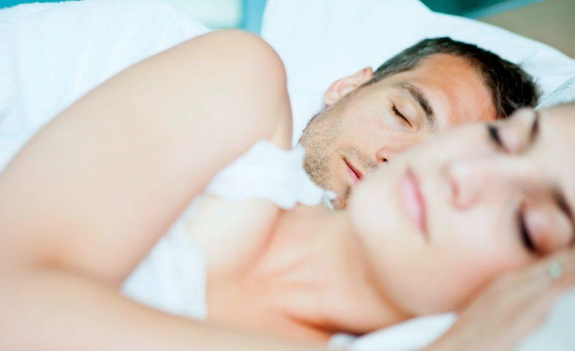 Photo couple endormi