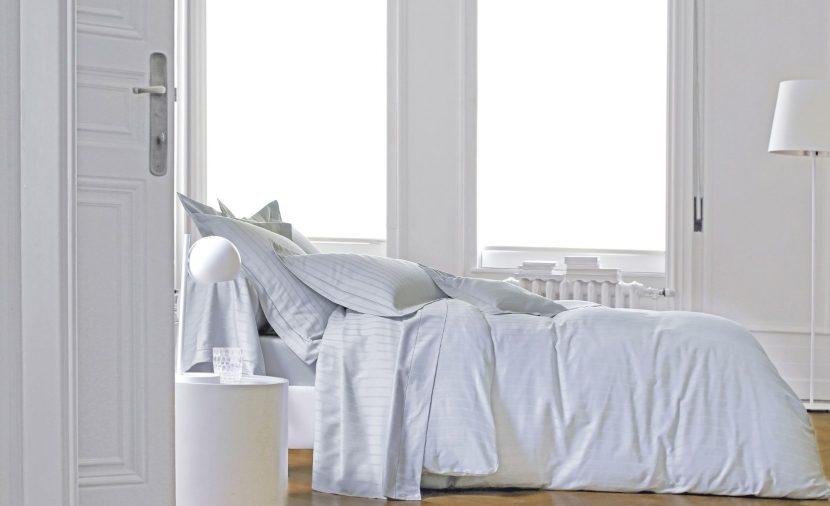 Photo chambre blanche linge de lit divine blanc